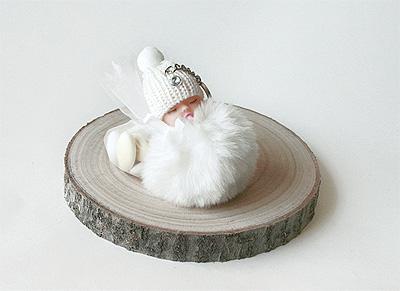 Porte Clef bébé Pompon Blanc Taupe avec Tulle et Dragées