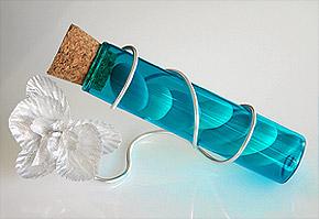 Eprouvette Turquoise avec Orchidées et Dragées