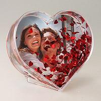 Le Cadre Coeur avec Confettis Animé