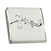 Lot de 50 Carrés Chocolat Emballés Just Married Blanc Argent