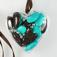 Lot de 6 Coeurs Translucides avec billes et dragées