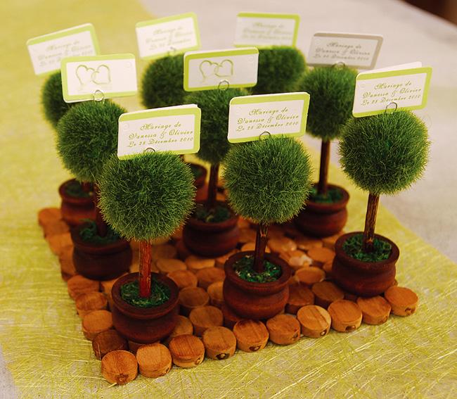 le marque place petit arbre rond pot de terre marque place pinces ardoises mariage. Black Bedroom Furniture Sets. Home Design Ideas