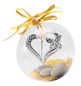 Boule avec coeur argenté de décoration avec petit papillon