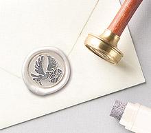 Cachet de cire faire-part et enveloppes blanc nacré finition grise