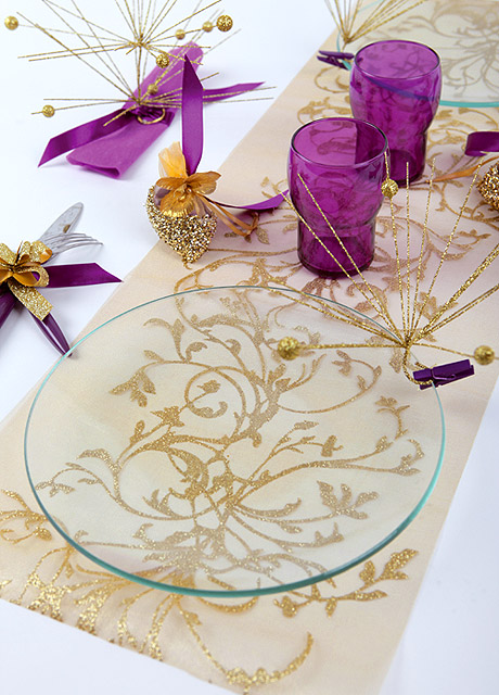 Le chemin de table organza 5 m volutes avec paillettes d coration de table mariage mariage - Chemin de table violet ...