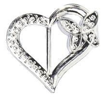 Coeur argenté de décoration avec petit papillon