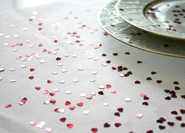 Confettis Déco de Table Métalliques Coeurs Bordeaux