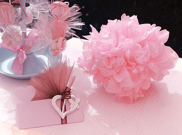 Les 3 boules cr pon de d coration tailles assorties noel - Boule de fleur en papier crepon ...