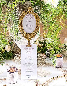 Cadre Ovale Baroque Doré Marque Table sur Pied Doré