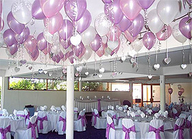 Décoration de plafond avec ballons