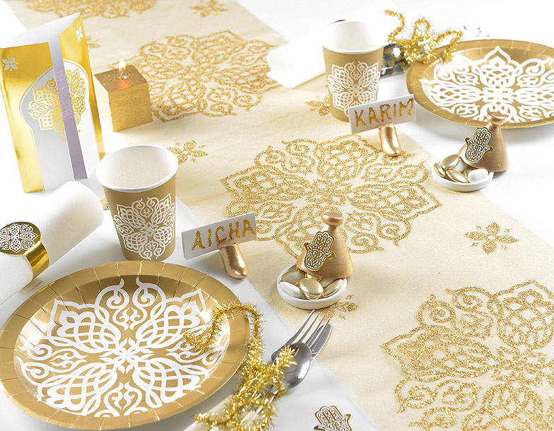Le chemin de table organza oriental paillettes noel for Deco de table orientale