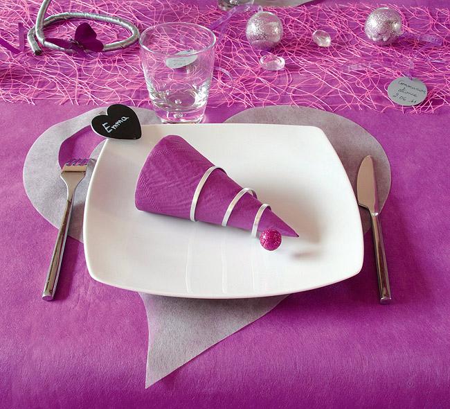 dessous d 39 assiette coeurs jetables mariage x50 dessous. Black Bedroom Furniture Sets. Home Design Ideas