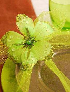 Fleurs Plumes Paillettes Pince Vert Anis