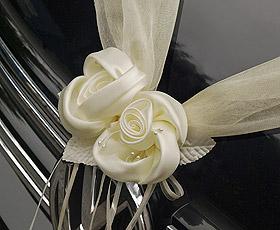 Décoration Voiture Mariage Tulle Fleurs Ivoire