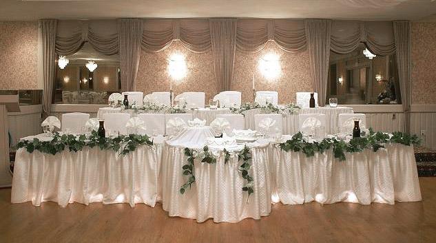 70cm Gshy Jupe de Table en Plastique Anti-Froissement pour F/ête Mariage Banquet D/écoration de No/ël 420 Blanc