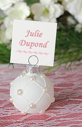 Boule blanche perles nacrées porte nom