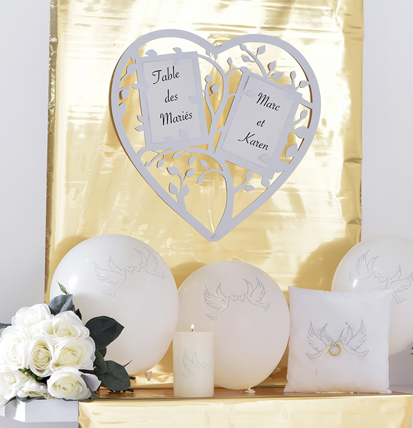 marque table mariage coeur stylis g ant marque table mariage. Black Bedroom Furniture Sets. Home Design Ideas