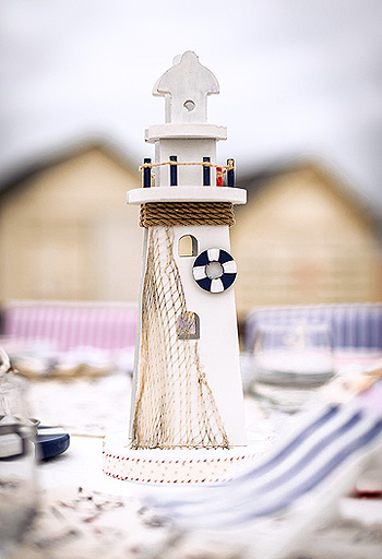 Phare en bois de decoration