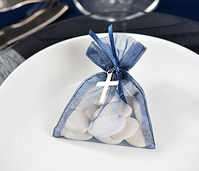 Pochon Dragées avec Mini Croix en Metal Blanc