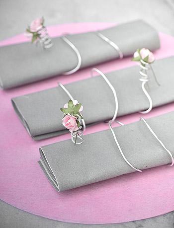 Rond de serviette avec petite rose
