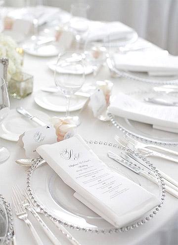 Serviettes mariage blanc avec menu