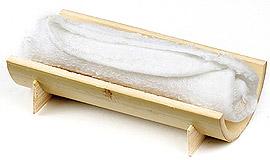 Serviette Raffraichissante sur support bois allongé