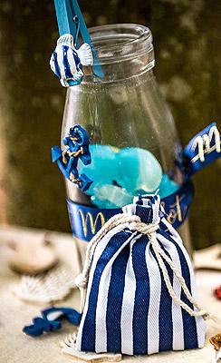 Décoration de bouteille avec mini ancre marin