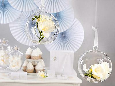 Boule en verre ouverte décoration à suspendre